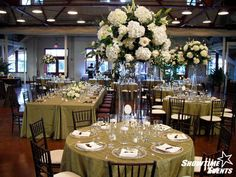 Mixing long tables & round tables...
