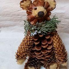 Pine Cone Ornament/Bear/ Big Bear Lake / Pinecone Decor /Papa Bear / Mama Bear (on request)/Woodland Accent Christmas Pine Cones, Rustic Christmas, Christmas Crafts, Christmas Ornaments, Kids Christmas, Xmas, Nature Decor, Nature Crafts, Pine Cone Decorations