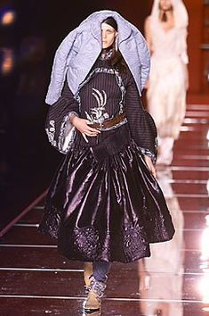 Christian Dior Fall 2001 Couture Fashion Show Collection
