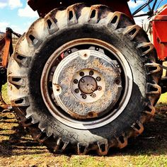 Wheel. Huge Wheel!