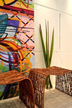 Navegue por fotos de Corredor, vestíbulo e escadas : Hall de Entrada. Veja fotos com as melhores ideias e inspirações para criar uma casa perfeita.
