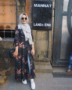 Floral open dress hijab-Street fashion style – Just Trendy Girls