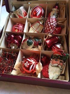 Lovely antique christmas glass ornaments from my collection. jennysvitavillervalla.blogspot.se