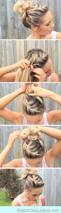 Easy DIY Hairstyles for the Beach Messy Bun Image Source - L . - Easy DIY Hairstyles for the Beach Messy bun image source – long hairstyles - Tips Belleza, Hair Designs, Hair Hacks, Hair Inspiration, Cool Hairstyles, Latest Hairstyles, Beach Hairstyles For Long Hair, Easy Summer Hairstyles, Black Hairstyles