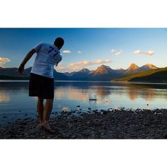 Feeling the cool air coming and thinking back to #glaciernationalpark this #summer! Always fun going #camping and taking a #roadtrip across the country. Skipping rocks is a favorite past time of mine. #glacier #nationalpark #blnature #travel #outdoors by paulruddphoto