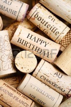 Biglietto d'auguri fatto da tappi per vino con testo Buon Compleanno