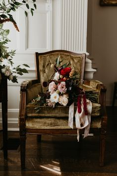 This romantic bridal bouquet features soft pink and red blooms Our Wedding Day, Wedding Blog, Wedding Styles, Destination Wedding, Dream Wedding, Wedding Ideas, Cinderella Wedding, Princess Wedding, Glamorous Wedding