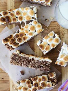 S'mores Krispies Bars and a Sweet S'more's Recipe Round-Up on foodiecrush.com #recipe #dessert
