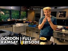 Gordon Ramsay Shows How To Be A Better Baker Ultimate Cookery Course Gordon Ramsay Shows, Chef Gordon Ramsay, Gordon Ramsey, Scottish Recipes, Turkish Recipes, Romanian Recipes, Cooking Recipes, Healthy Recipes, Healthy Food