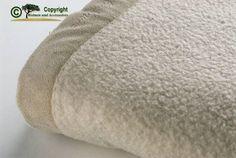 Eine Wolldecke waschen und pflegen