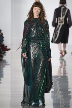 Maison Margiela Fall 2016 Ready-to-Wear Fashion Show - Irina Kravchenko