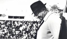 This date in Packers history: Vince Lombardi signs with team (2-2-59)