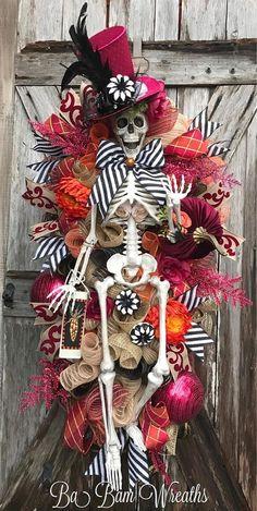 Halloween Swag Skeleton Wreath Skeleton Decor Halloween by nellie Halloween Trees, Halloween Projects, Holidays Halloween, Happy Halloween, Halloween Party, Halloween Designs, Halloween Stuff, Skeleton Decorations, Halloween Decorations