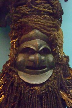 Asmat Demon Mask natural fiber New Guinea (1)