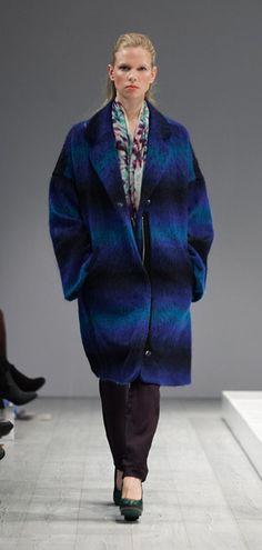 CIRCUS of FASHION presents Fashion / Mode from BERLIN, here:  Hunter Coat, Bag Pants + Printscarf