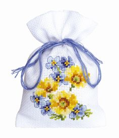 Vervaco cross stitch kit The finished design measures 8 x 12 cm The kit contains: Colour chart 18 count cotton fabric for cross stitch Woollen and acrylic yarn Pre-sorted thread colour card and a needle. Cross Stitch Cards, Counted Cross Stitch Kits, Cross Stitch Flowers, Cross Stitching, Cross Stitch Embroidery, Cross Stitch Patterns, Lavender Bags, Cross Stitch Pictures, Cross Stitch Needles