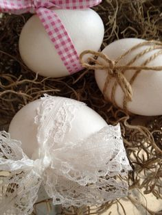 White & pink Easter decoration