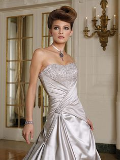 the hair for my wedding. I do like the color of the bride dress. I wanted something in silver/grey color.
