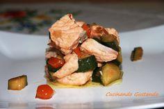 Salmone con verdure e salsa di soia