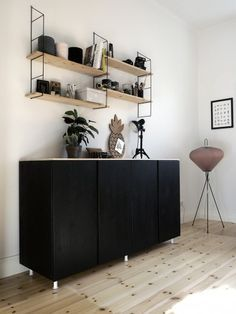 Arbeitszimmer gestaltungsmöglichkeiten ikea  IKEA hack. Besta storage with timber front. | רעיונות לפנטהאוס ...