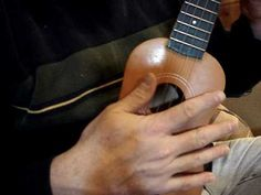 Clawhammer Ukulele in less than FIve Minutes - YouTube