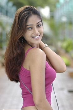 Indian Bollywood Actress, Bollywood Actress Hot Photos, Beautiful Bollywood Actress, Beautiful Indian Actress, Beautiful Actresses, Cute Beauty, Beauty Full Girl, Ileana D'cruz Hot, Sneha Actress