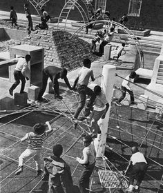 "M. Paul Friedberg | vintage kids playgrounds - from the book ""Espaces de jeux : de la boîte à sable au terrain d'aventure"", 1976 - via Architektur für Kinder"