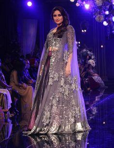 Updated bridal stylish lengahs collection by Manish Malhotra designers 2014 2015 (6)