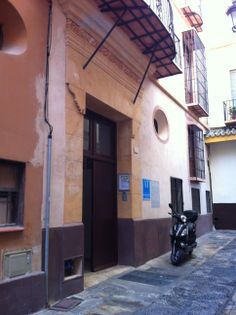 Feel Apartments La Merced | Calle Medina Conde, 1
