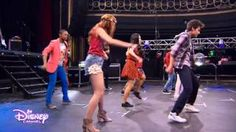 violetta supercreativa - YouTube Disney Channel, Wrestling, Songs, Sd, Youtube, Argentina, Musica, Girls, Song Books