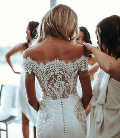 Get Help Planning Your Perfect Wedding Day – Gowns 4 Weddings Wedding Goals, Wedding Day, Wedding Hacks, Wedding Planning, Wedding Dreams, Wedding Morning, Gown Wedding, Wedding Beauty, Bridal Gown