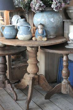 Oude, vergrijsde wijntafel - tafels - http://www.koektrommel.nl/de-koektrommel-tafels/oude-vergrijsde-wijntafel.html
