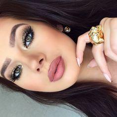 Lip color/make up/hair/gorg Full Face Makeup, I Love Makeup, Gorgeous Makeup, Pretty Makeup, Gorgeous Girl, Beautiful Women, Makeup On Fleek, Kiss Makeup, Flawless Makeup