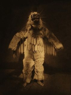 Edward S. Curtis, In the Land of the Head Hunters, 1914.