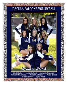 volleyball picture Sr Hi-lite Volleyball Team Pictures, Volleyball Poses, Play Volleyball, Volleyball Gifts, Volleyball Photography, Cheer Poses, Team Coaching, Team Mom, Team Photos