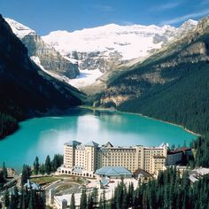 The Best Resorts in Canada The Fairmont Chateau Lake Louise, Lake Louise, AB Vacation Places, Vacation Spots, Places To Travel, Places To See, Honeymoon Destinations, Vacations, Lake Louise Hotels, Lake Louise Resort, Paisajes