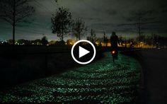Il designer olandese Daan Roosegaarde è famoso per i suoi progetti e le soluzioni futuristiche nel campo dell'illuminazione. L'ultimo progetto è incentrato sulla sicurezza stradale e il basso consumo di energia nella segnaletica stradale e nell'illuminazione della strada. Per ce