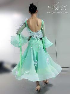 中古・スタンダードドレス サイズ:9号ドレスランク:SA(新品に近い)価格:149000円日本あり・試着可・レンタル可