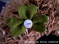 This Funky Felted Shamrock takes only moments to make. It is crazy versatile, too. You could create just a few of these to be an accent to any craft.