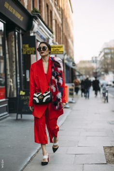 London Street Style, Trends and Fashion for fall/winter of Classy and casual fashion photoghraphy for women's fashion week ideas! Estilo Fashion, Moda Fashion, Fashion Week, Winter Fashion, Womens Fashion, Fashion Trends, Fashion Ideas, Net Fashion, Gucci Fashion