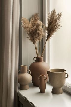 Cream Aesthetic, Brown Aesthetic, Aesthetic Rooms, Pedestal, Vase With Lights, Hm Home, Grands Vases, My New Room, Room Inspiration