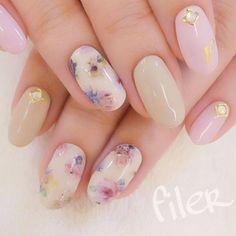 Neutral nail floral art.