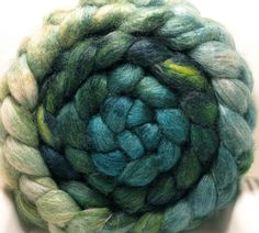 Gin Fizz BFL/Tussah 85/15 5oz Another favourite colourway! Isn't it pretty!
