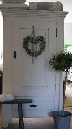 Antieke Franse linnenkast(1 deurs) www.jantje-dientje.nl