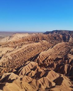 Aproveitamos o dia de hoje no Atacama para fazer uma caminhada até o Pukará de Quitor que fica a 3km de San Pedro de Atacama. Lá fizemos uma trilha até o mirante onde tivemos essa vista do Vale de La Muerte. Como não se impressionar com essas paisagens do Atacama? #NerdsNoAtacama