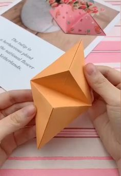 simple origami for kids ; simple origami step by step ; simple origami for kids step by step ; simple origami for kids easy diy Cool Paper Crafts, Paper Crafts Origami, Diy Paper, Origami Gifts, Crafts With Cardboard, Foam Crafts, Diy Crafts Hacks, Diy Crafts For Gifts, Creative Crafts