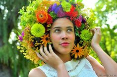 Beyond the flower crown, it's a flower afro Passion Flower #lovecreativity