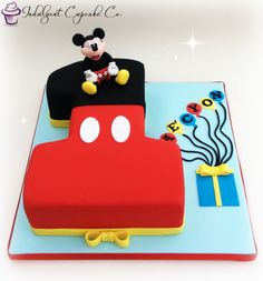 Mickey Mouse 'Number 1' cake.....                                                                                                                                                                                 Más