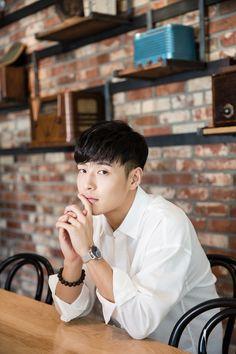 Asian Actors, Korean Actresses, Korean Actors, Fated To Love You, Park Shin Hye, Running Man, Korean Star, Korean Men, Ji Chang Wook