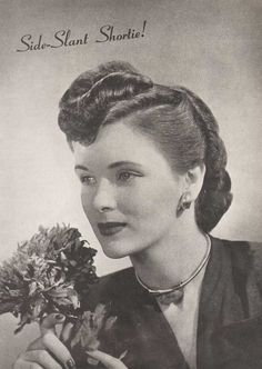 1940's Hairstyles – The Sidesweep Craze – 1945. | Glamourdaze